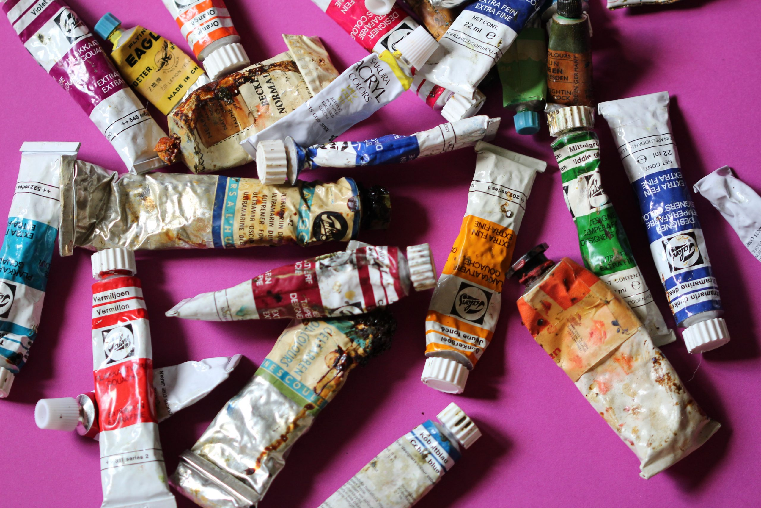 how to clean sticky oil paint tubes