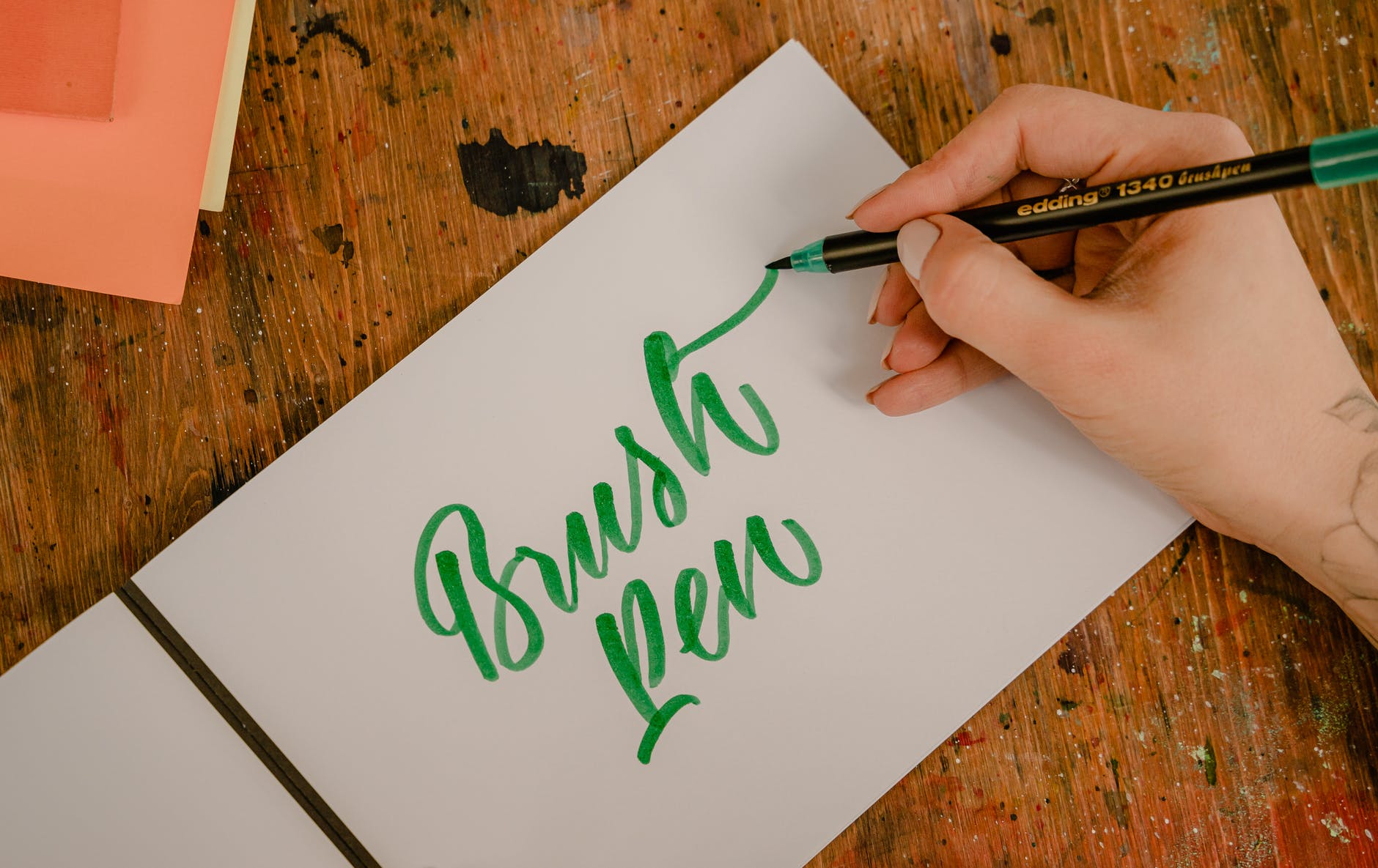 can brush pens be used on canvas